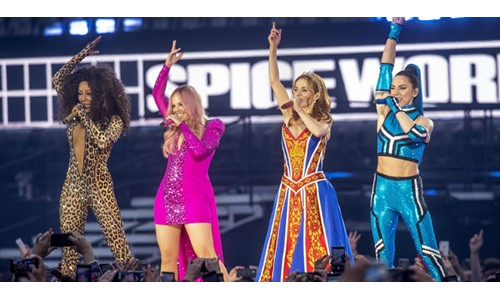SPICE GIRLS WEMBLEY'İ SALLADI