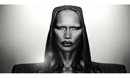 GRACE JONES, BOND SETİNİ TERK ETTİ